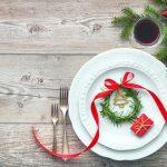 świątecznie przystrojony talerz